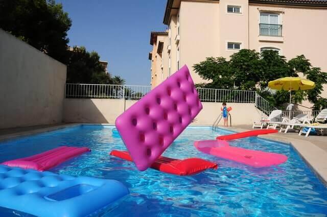 Investissez dans un robot piscine pour profiter sereinement de votre bassin !