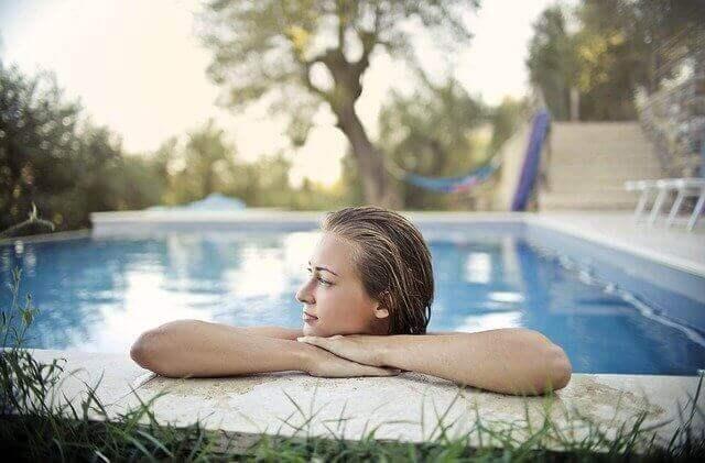 Soyez tranquille en définissant quel robot pour piscine hors sol il vous faut.